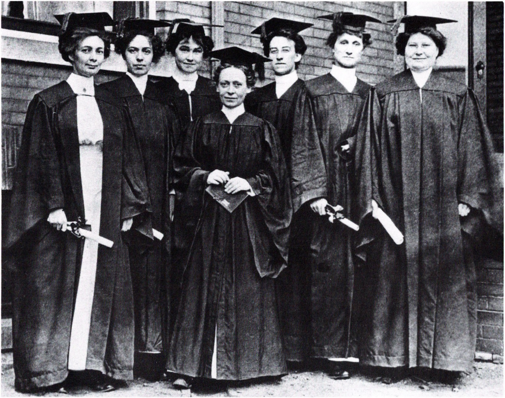 Louis Powell with UofM nursing class 1912